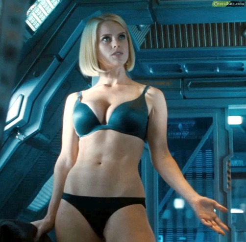 alice-eve-star-trek-into-darkness-a