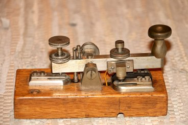 1920px-morsetaste