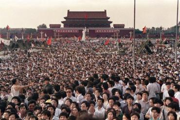 04tiananmen-archive-1-articleLarge