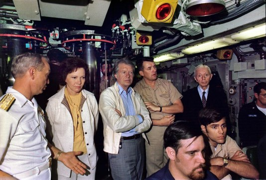 1280px-Rosalynn_Carter,_Jimmy_Carter_and_Admiral_Hyman_Rickover_aboard_the_submarine_USS_Los_Angeles._-_NARA_-_174924